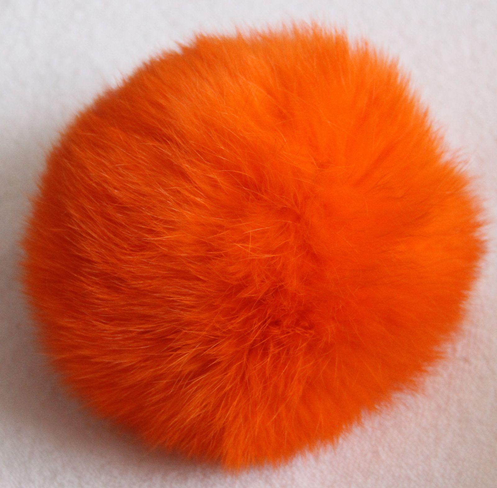 Bambule králík 8cm s poutkem a kroužkem 09 oranžová